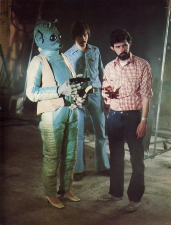 30-Star-Wars-Behind-the-Scenes.thumb.jpg.c106c454f78190029a4cd94bc19cdc1a.jpg